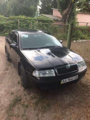 Продам своє авто Skoda Octavia 1.6