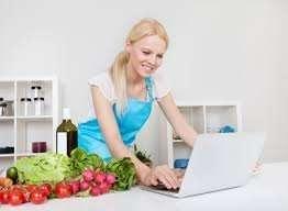 Женская работа в удобное время дома.