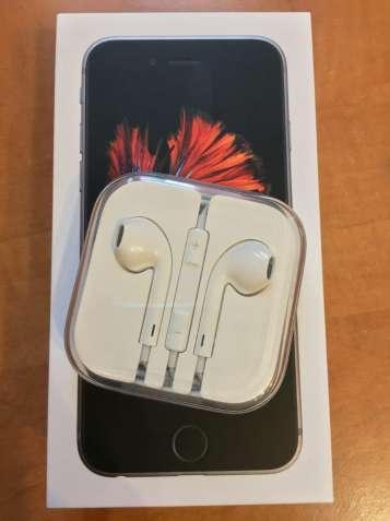 Свои Новые Оригинальные наушники Apple Earpods из комплекта iPhone 6s