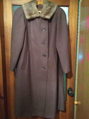 Шерстяное пальто с норковым воротником