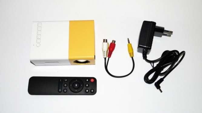 Мини проектор портативный мультимедийный Led Projector YG300