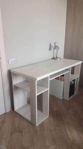 офисный белый стол