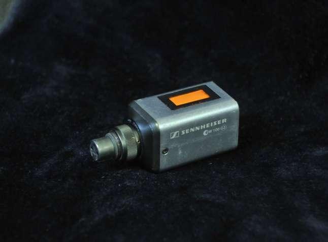 Передатчик plug-on Sennheiser SKP-100 G3 EW трансмиттер кубик XLR