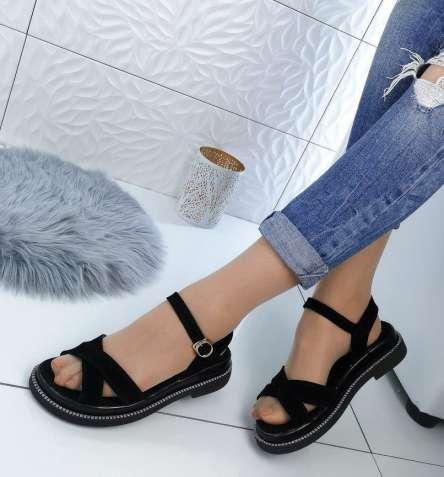 6ec3668aaab2a3 Одяг та взуття. Купити взуття та одяг б/в. Недорогий одяг в Рівному ...