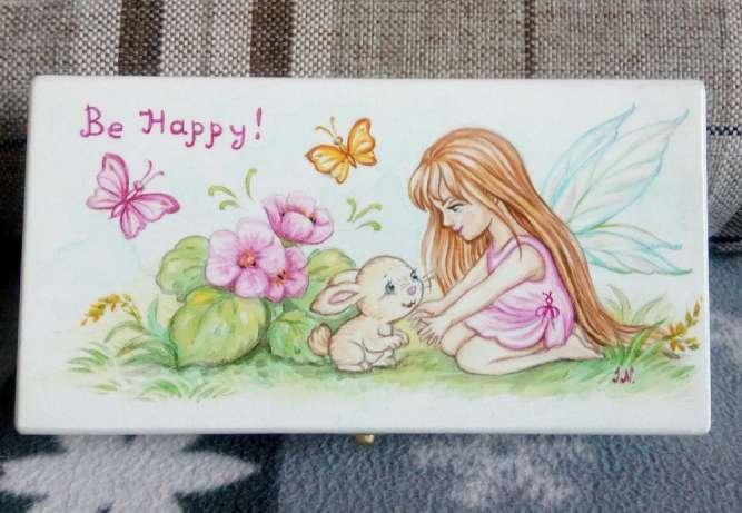 """Шкатулка деревянная с ручной росписью """"Фея с кроликом"""""""
