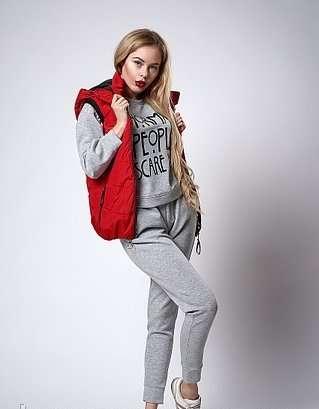 Женский молодежный утепленный жилет. код модели жл-07-37-18. цвет крас