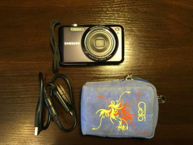 Фотоаппарат Samsung ES70 + Карата памяти 512MB + Чехол + Зарядка