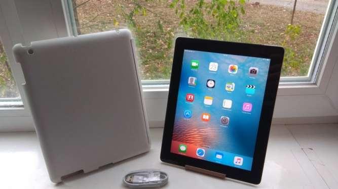 Продам планшет Apple iPad 2 Wi-Fi 3g 16GB,9.7 IPS Чистый iCloud,состоя