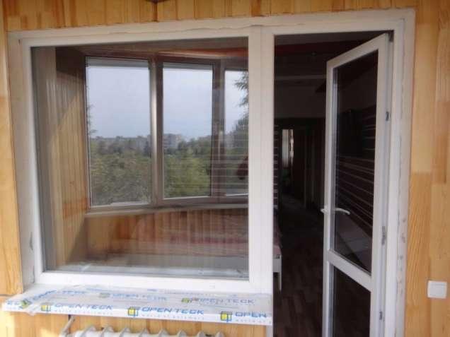 Балконний блок, вихід на балкон, двері балконні