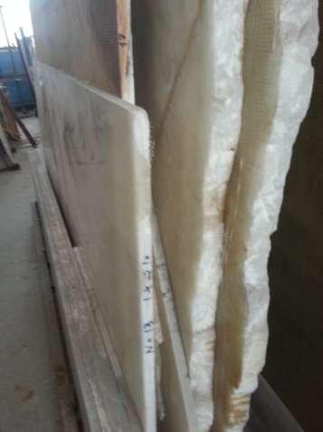 Продажа белого прозрачного оникса со склада в Киеве