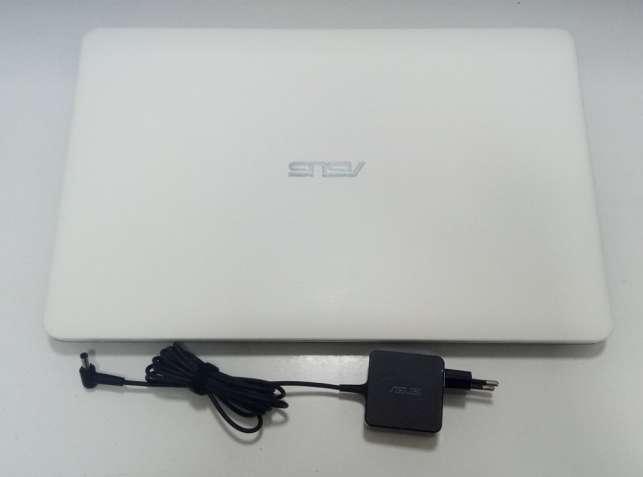 Ноутбук  Asus X751