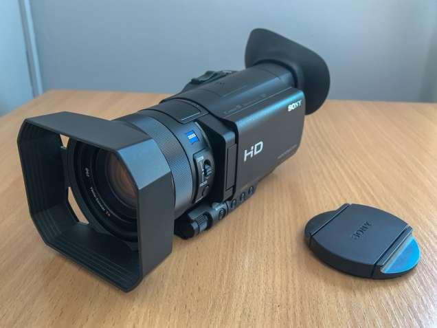 Видеокамера Sony HDR-CX900E с доп. аксессуарами