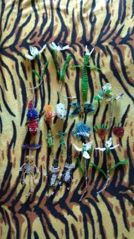 Колекція фігурок з бісеру