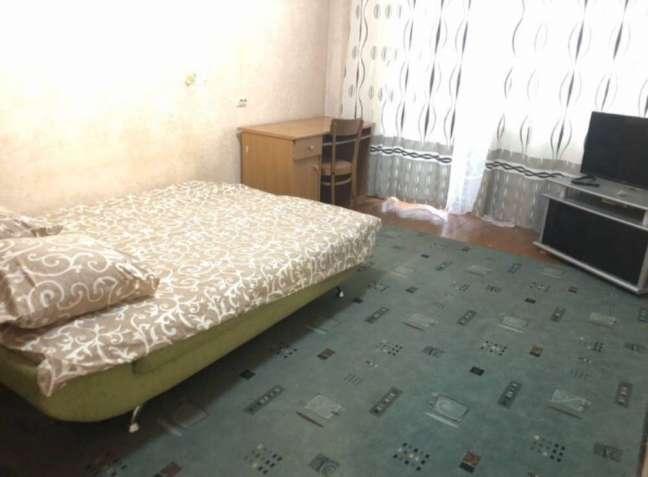 Продам 1к квартиру на Ак.Филатова. Состояние жилое