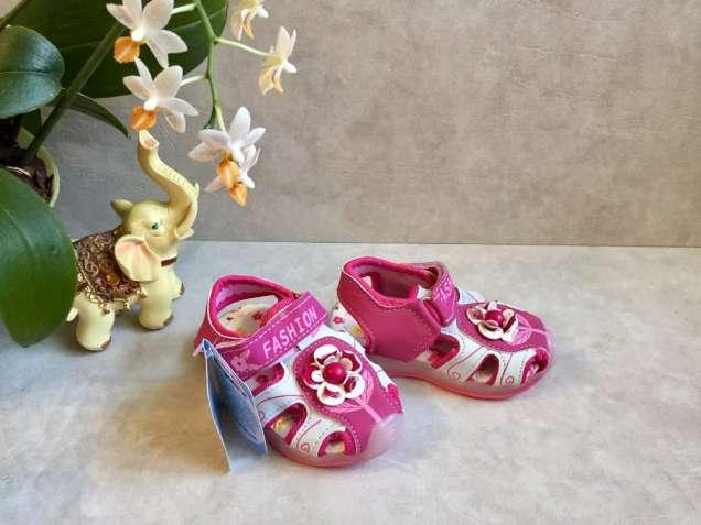 Красивые босоножки для маленьких принцесс