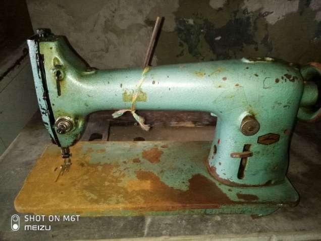 Швейная машинка производственная, б/у, требует ремонта