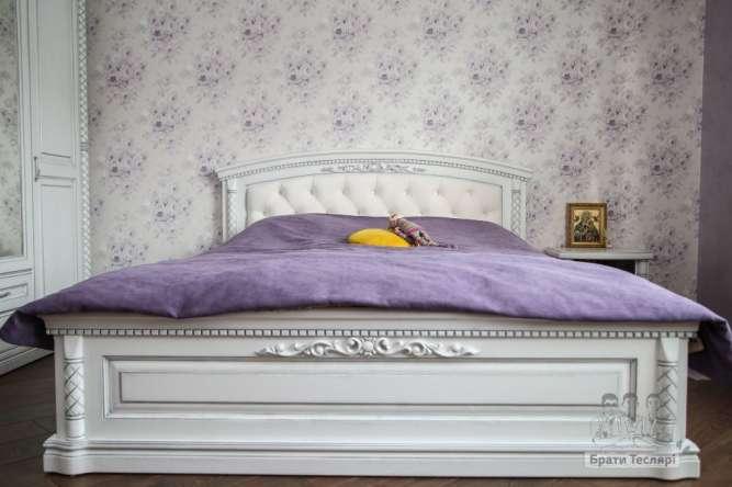 Спальня з натуральної деревини дуба