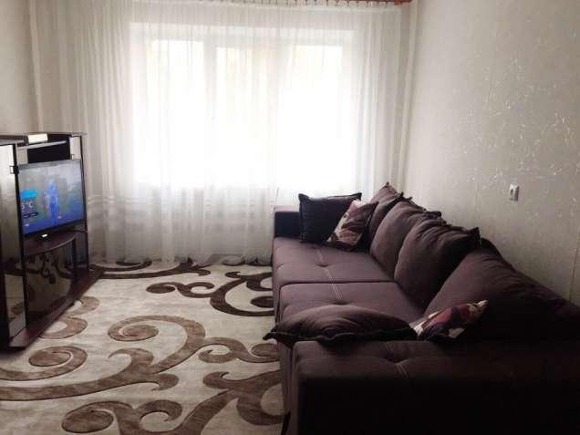 Срочно продам просторную 3к. квартиру в Лесках