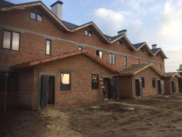 Продам трехкомнатную квартиру в 6 км от Киева