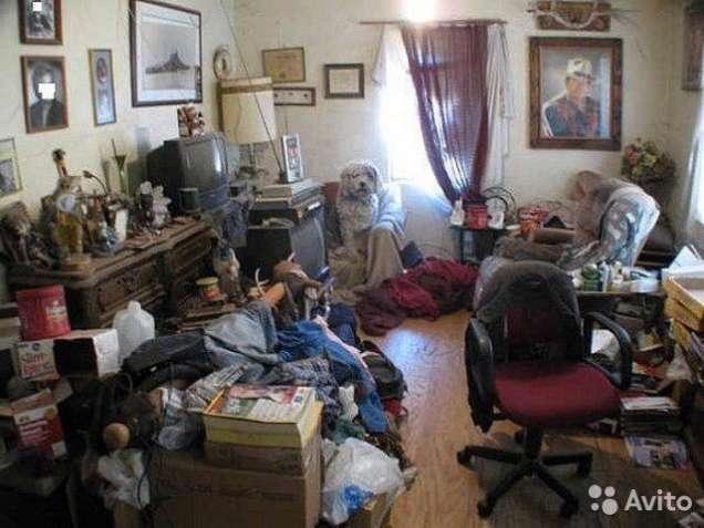 Отдам старую мебель, книги, разний хлам малоимущщей семье