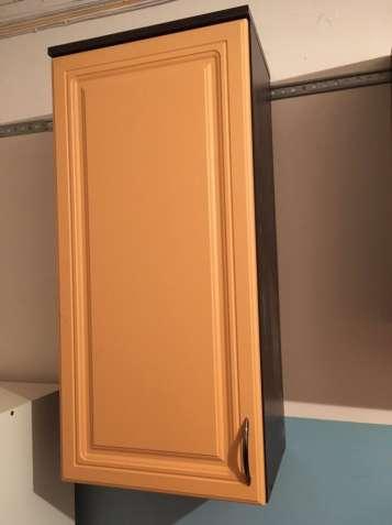 Навесной шкаф с фасадом из МДФ