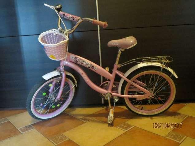 Продаю двухколесный велосипед Rueda БУ для девочки от 5 до 8 лет.