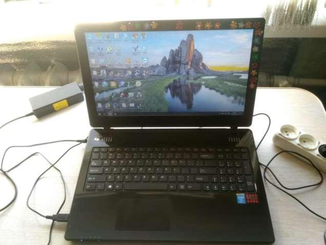 Ноутбук из США DakTech Plaidbook (Core i5-4200M, 8 GB, Win 8 лицензия)