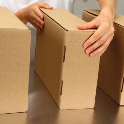 Работа по складыванию картонных коробок на складе в Польше