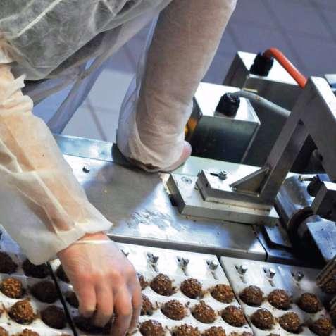 Работа для женщин на упаковке сладостей в Польше