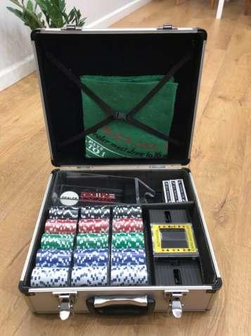 продам покерний набір