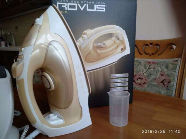 Беспроводной утюг Rovus