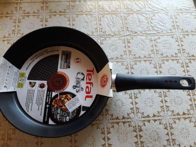 Сковорода Tefal 26 Х 5 см, Франция. Титановое покрытие. Оригинал.