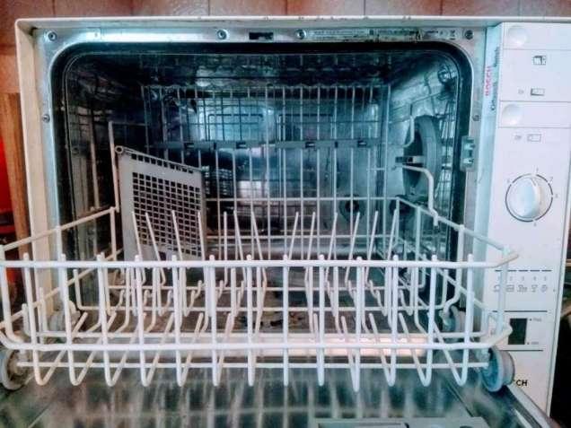 Продам посудомоечную машину Bosch SKT 02 EU