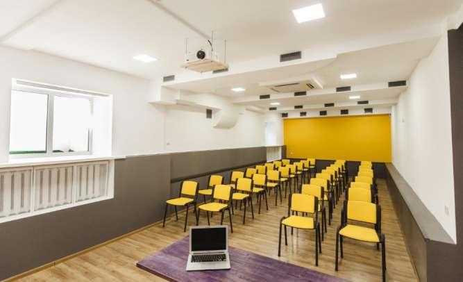 Почасовая аренда конференц-залов 18 и 60 метров, 1 минута от метро КПИ