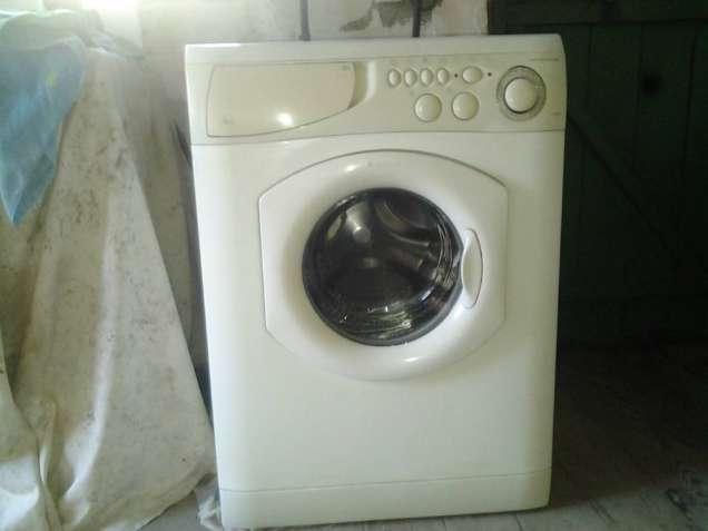 Продам стиральную машину автома Аристон бу в отличном рабочем состояни