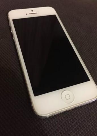 Apple IPhone 5 в ПРЕКРАСНОМ состоянии