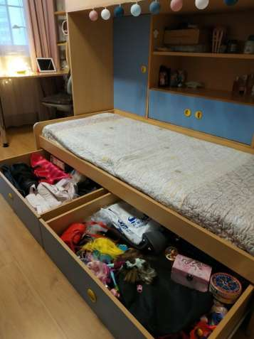 Комплект детской мебели с двухъярусной кроватью б/у