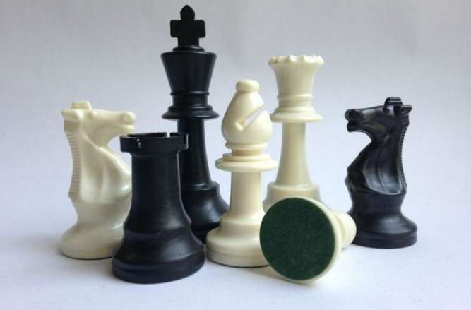Шахматы занятия на метро Дарница