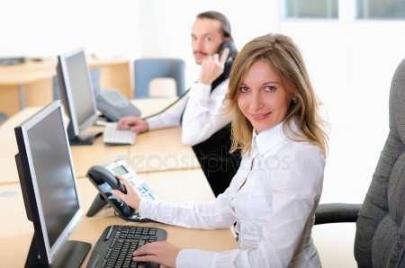 на должность Секретаря в офис требуется девушка.