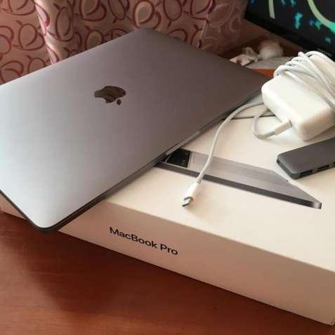 Продаю Apple  MacBook Pro 2019