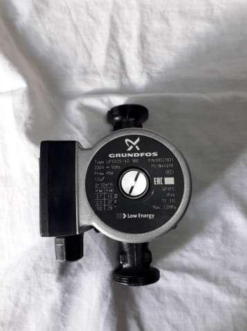 Циркуляционный насос Grundfos Ups25-40 180