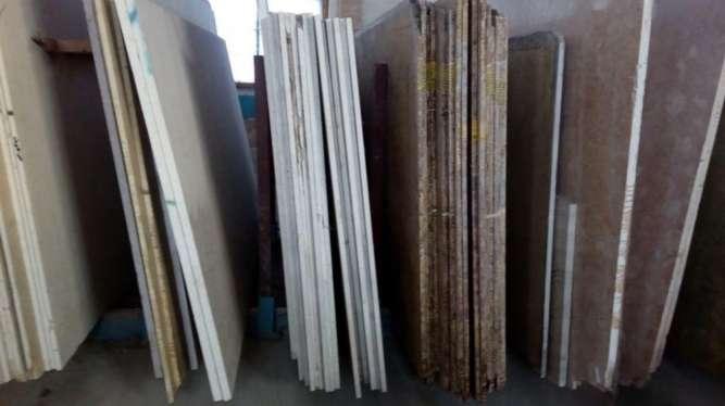 Полированная фактура - гладкая поверхность мрамора