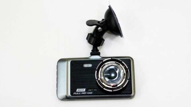 """DVR GT500 Full HD 4"""" сенсорный экран. с выносной камерой заднего вида"""