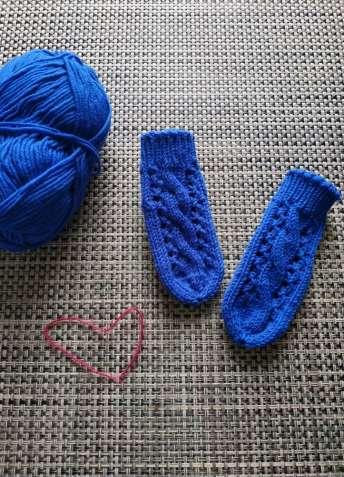 Вязаные детские прогулочные носки