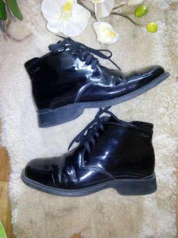 Ботинки весна-осень кожаные 36р Clarks