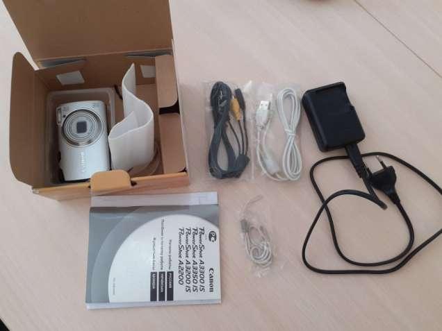 Цифровой фотоаппарат Canon PowerShot A3200 IS 14.1 Мп идеал состояние