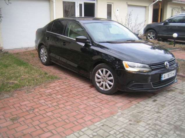 Продаю Volkswagen Jetta 2013
