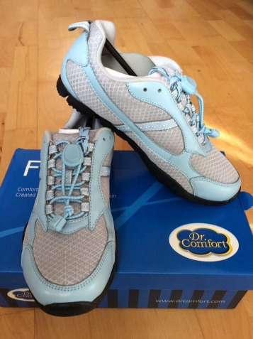 Женские кроссовки размер 38 и 39 в голубом цвете Dr. Comfort