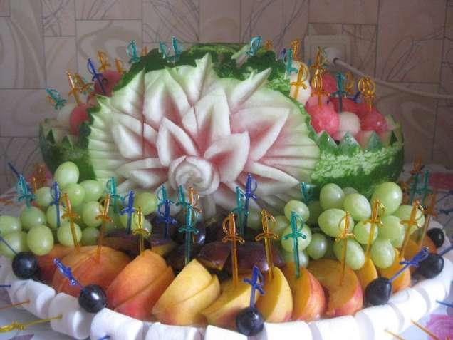 Карвинг, фруктовое оформление праздника, декор, незабываемый праздник.