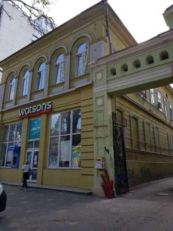 Трехкомнатная квартира капремонт на Ришельевской (синагога за углом)